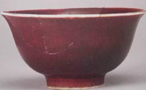 大清乾隆年制红釉瓷器