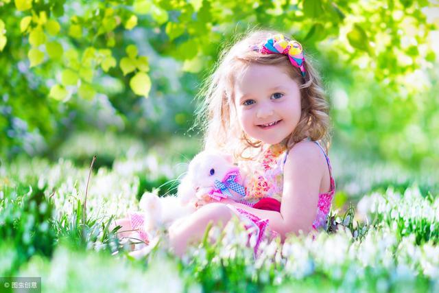 """孩子为什么不懂心疼父母?高情商的父母,会藏起自己""""一半的爱"""""""