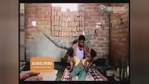 印度畸形儿蜘蛛女孩