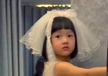 吴尊与女儿拍婚纱照显温馨 女儿neinei婚纱萌照... _太平洋亲子网