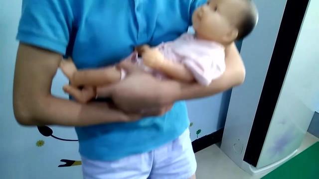 李玫瑾婴儿哭要不要抱
