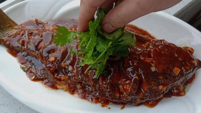 红烧鲤鱼的做法,红烧鲤鱼的家常做法
