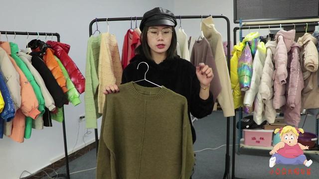 身材胖的女性选衣困难?看这两件大码毛衣,再胖都能穿的宽松!