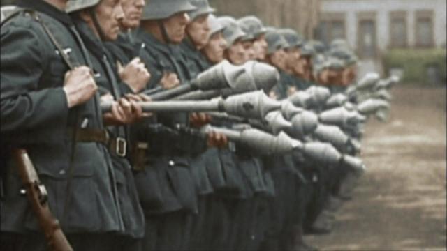 苏军攻入柏林最后的镜头,阵亡30万之多_新浪看点