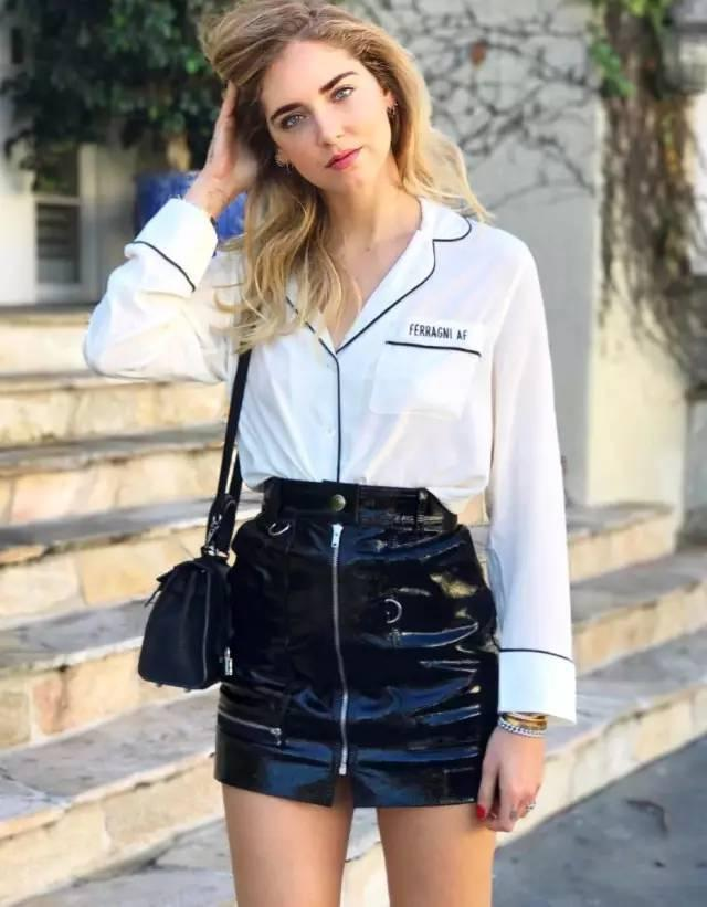 时尚搭配——黑色皮裙凸显女人性感
