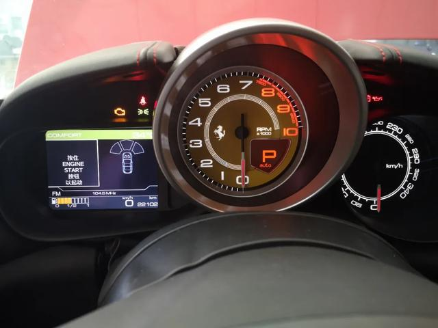 圆梦超跑——法拉利加州T,一款最适合日常生活的跑车