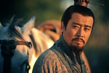 三国演义:刘备真小人也,先投奔吕布,后来又投奔曹操