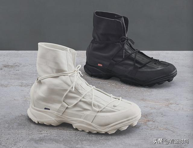 阿迪达斯休闲鞋
