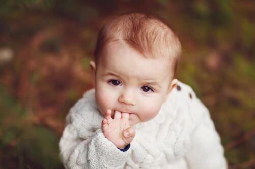 冬季给娃穿衣马虎不得,超实用的穿衣攻略,宝宝照着穿温暖少生病