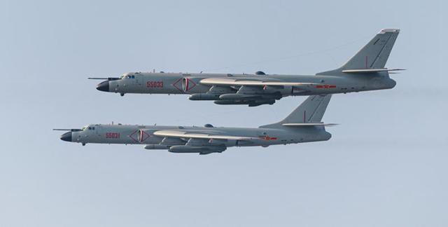 轰-6的魔改引发了国际军事专家的关注,为何美国人要为中国点赞?