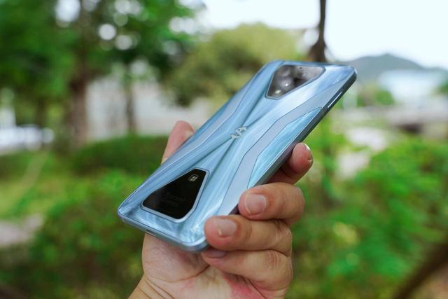 黑鲨3s开箱杂谈:游戏手机,真的舍我其谁