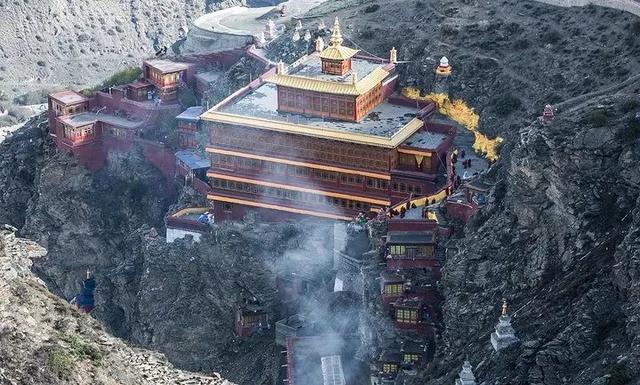 西藏寺庙路牌