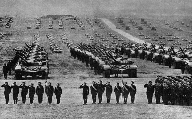 巅峰时的苏联有多强大?单单坦克洪流就能让整个欧洲都会颤抖