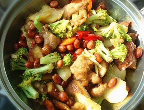 教你在家做干锅鸡,麻辣鲜香好吃不油腻,做法简单,吃的真过瘾!