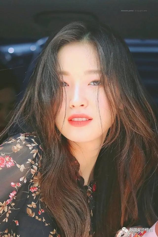 韩网友喜欢的清纯氛围的三位女爱豆