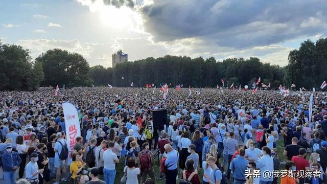 总统大选将近,反对派组织史上最大规模集会,卢卡申科麻烦来了