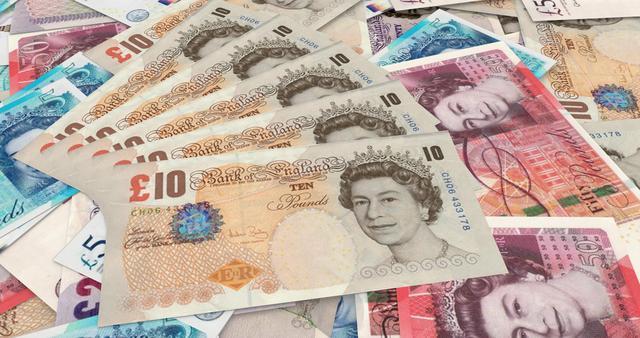 """英国首相宣布向300万港人提供入籍后,李嘉诚投资英国100亿打造""""香港城"""",累计投资英国超4000亿港元"""