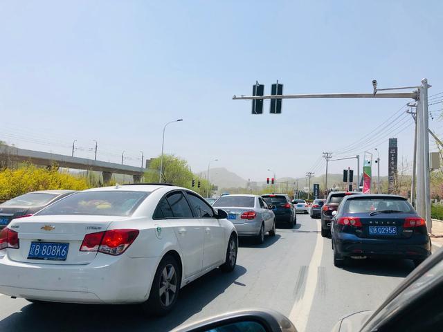 今天高速堵车吗?