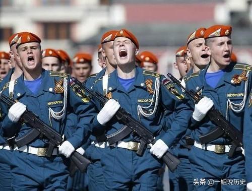 1981年埃及阅兵:给全世界上了一课,从此各国阅兵不再真枪实弹