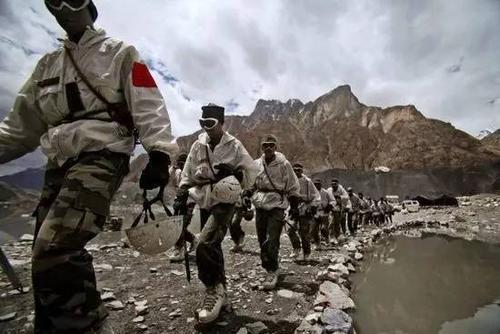 印度屡屡挑事的背后,是喜马拉雅山另一侧的尴尬