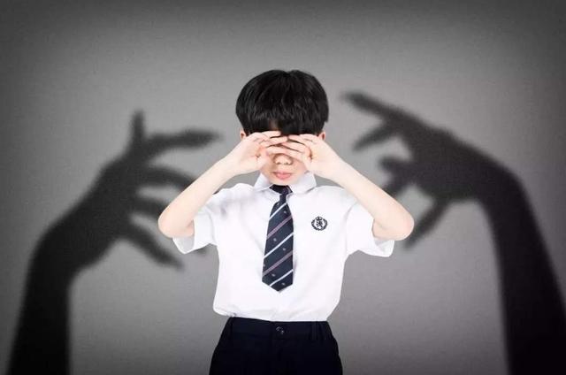 暴躁的父母,怒吼成为育儿习惯,娃养到18岁才暴露3大性格缺陷