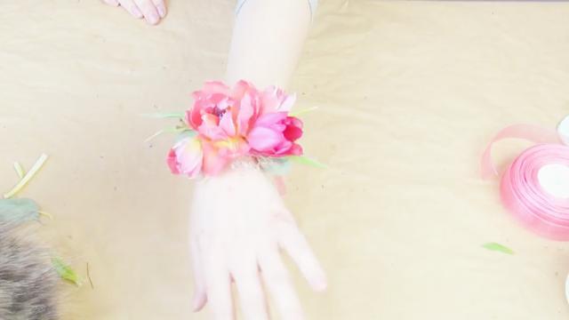 新娘手腕花戴哪只手-新娘手腕花有什么讲究-伴... -Wed114结婚网