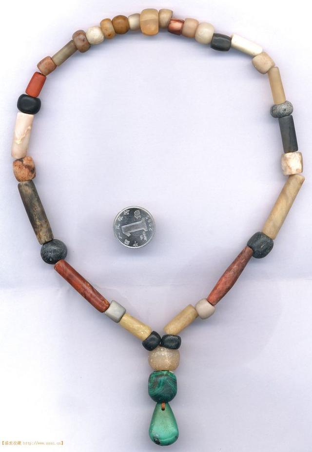 辽金时期---各色琉璃珠子穿的手串