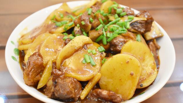 探访隐藏在瓯北龙桥夜市中的美食!几十元就能吃到撑!