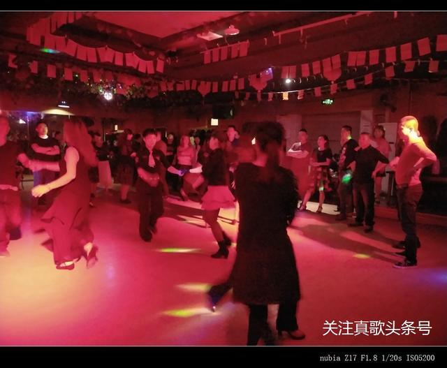 舞厅灯光图片_舞厅灯光素材_舞厅灯光模板免费下载-六图网