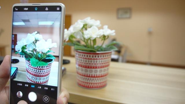 差距明显!AI加持的小米MIX2S拍照完胜三星S9!