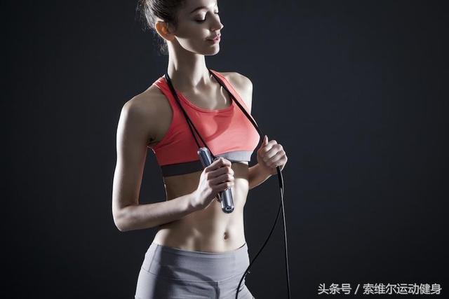 8个动作锻炼腹部:练出迷人的AB线