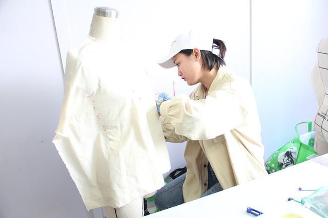 学做衣服,外套,大衣的裁剪过程,自学成服装裁缝师傅。