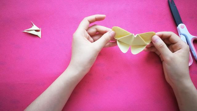 幼兒蝴蝶折紙圖解教程