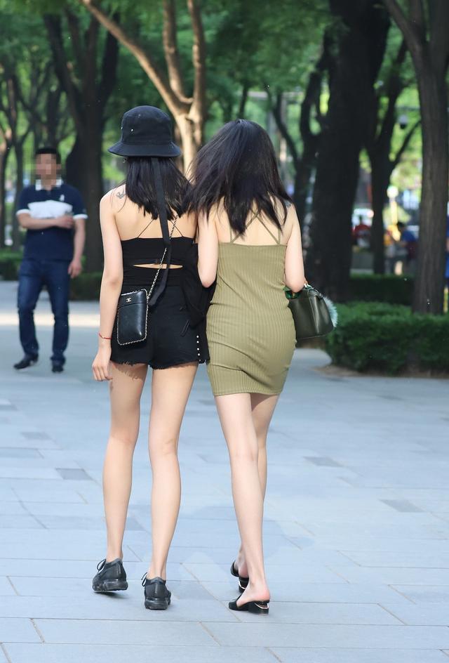 为什么有的人街拍喜欢拍女孩背影-第1张图片-IT新视野