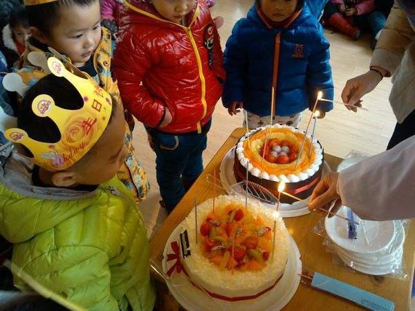 送父親的生日蛋糕