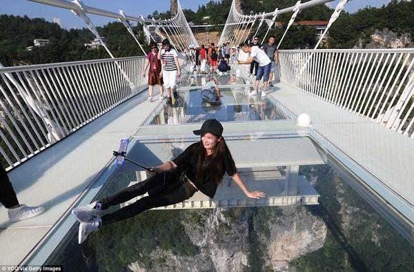 张家界玻璃桥与玻璃栈道哪个更值得游玩呢?