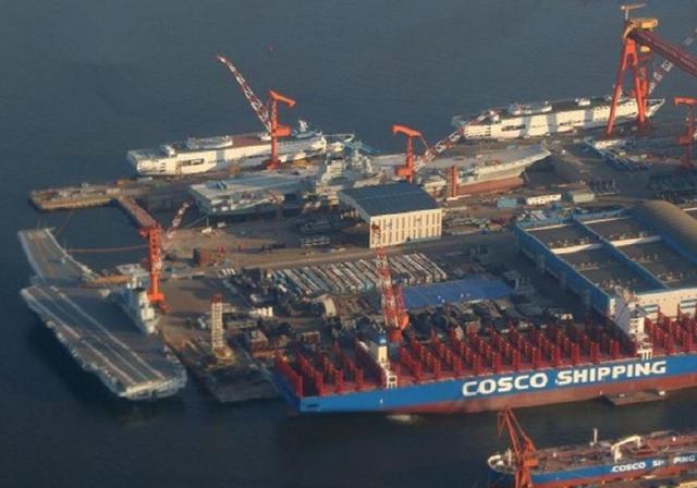 4艘巨舰同时现身,中国双航母双保障船罕见同框