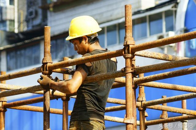 10张农民工劳作图,为了生活赚钱,太辛苦让人心疼