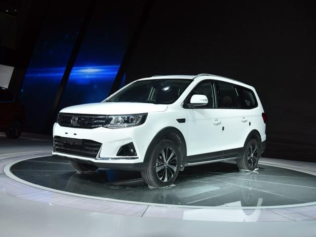 东风风行景逸X7定位为中型SUV