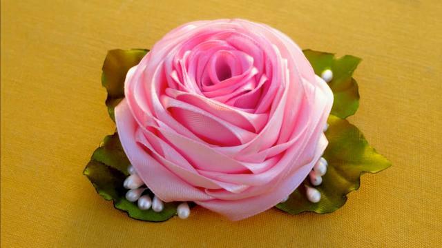 丝带玫瑰花图片