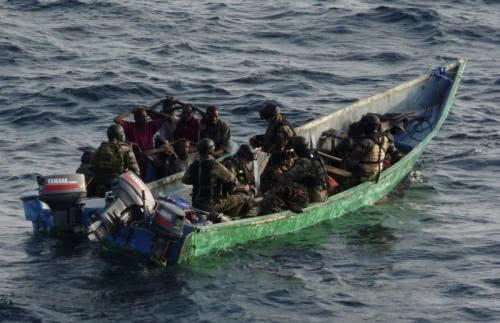 中国海军索马里抓海盗