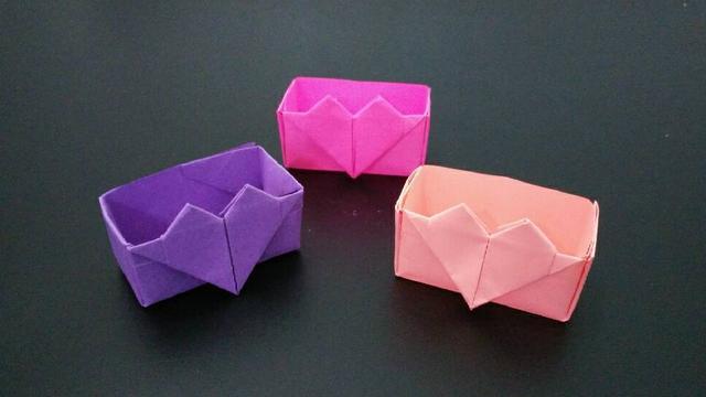 折纸爱心盒子的方法并不难,看完才发现很简单,漂亮又实用贼喜欢
