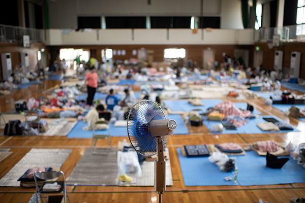 """日本暴雨已致195人死亡, 然而一种救灾物质却""""坑... _手机搜狐网"""