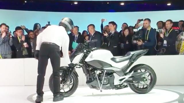 撞不倒的电动摩托车你见过吗?就是这么任性,来撞我啊