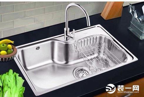 厨房水槽单槽好还是双槽好?看完之后恍然大悟,做出了选择