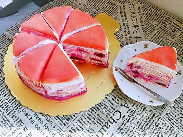 大熱天,教你做火龍果千層蛋糕,一口鍋就能做,做法簡單零失??!
