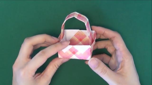 纸艺手工小篮子的折法,简单的小篮子折纸只需要一张纸