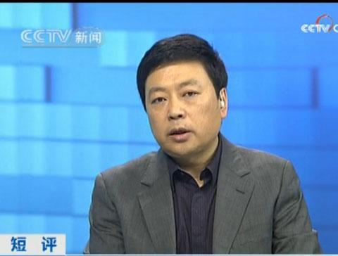 """20121210-央视主持人王志安晒吃狗肉遭网友怒骂""""脑残"""""""