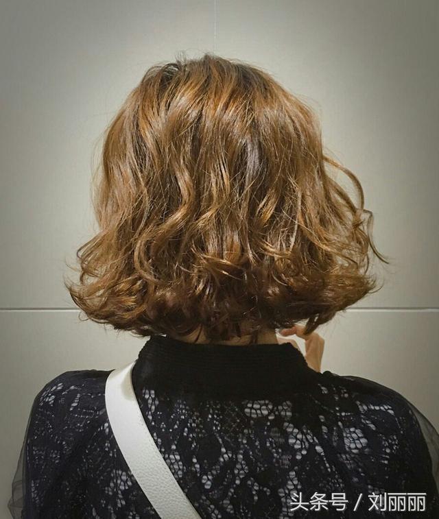 减龄女生超短发,剪发教程!