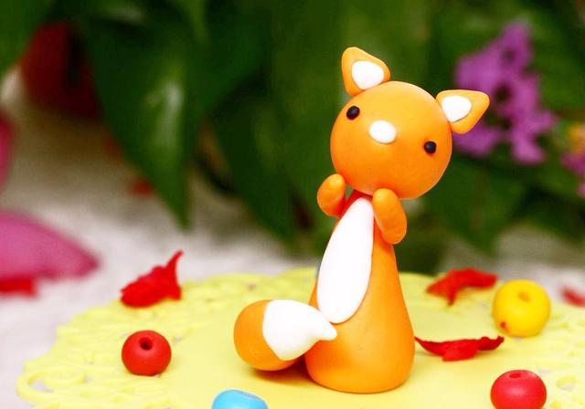 DIY手工:橡皮泥做的呆萌小狐狸,手工达人5分钟教你做一个